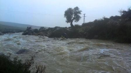 الأمطار الغزيرة تتسبب في قطع الطريق الرابطة بين وادلاو و شفشاون !