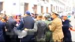 فيديو لإحتجاجات موظفي المحاكم بجهة طنجة تطوان يعرضهم للضرب ..!