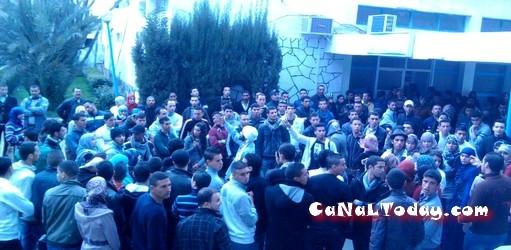 إحتجاجات طلبة جامعة عبد المالك السعدي بمرتيل لعدم إحترام قانون السير !