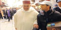 صورة بنكيران مع بائع سجائر تثير جدلا بين رواد 'الفيسبوك' !