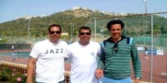 يونس العيناوي يدرب شبان اسرائيل في رياضة التنس !
