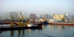 حجز شاحنتين بميناء الدارالبيضاء بعد شكوك في محتواها