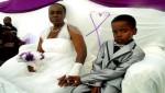 طفل يتزوج من إمرأة بعمر جدته !