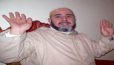 المحكمة الابتدائية تقضي ببراءة الشيخ عبد الله نهاري