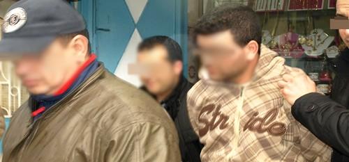 القبض على سائق الطاكسي اللص الذي روع ساكنة مرتيل والحكم عليه بالسجن 6 سنوات