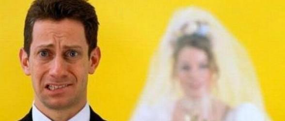 أسباب تدفع الشباب إلى العزوف عن الزواج