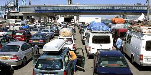 """أزيد من 19 ألف من مغاربة الخارج عبروا موقع باب سبتة منذ انطلاق عملية """"مرحبا"""""""