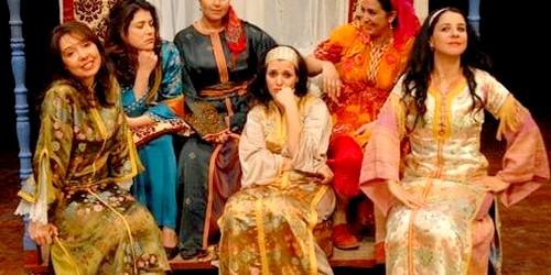 بنت الشاون تتبرأ من بنات للا منانة !