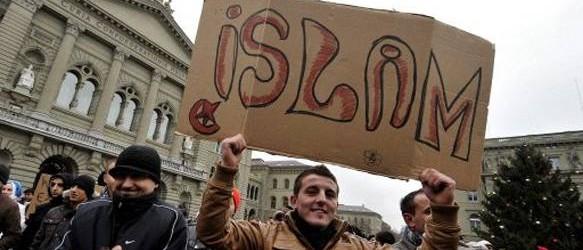 المسلمون في إسبانيا ينددون بأحداث مصر