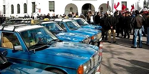 بيان لسائقي سيارات الأجرة من الصنف الأول بتطوان
