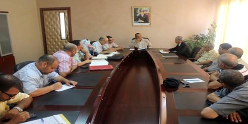 اجتماع بشأن تفعيل مصلحة الشرطة الإدارية وتنمية الموارد المالية للجماعة
