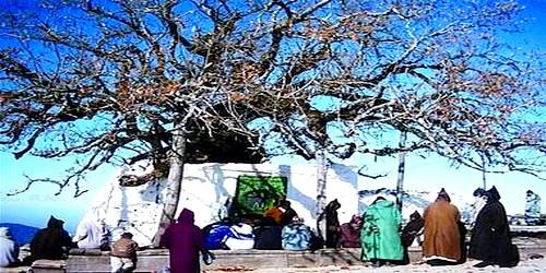 فقراء يحجون فوق السحاب إلى ضريح مولاي عبد السلام