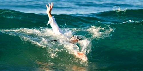 بحر مرتيل يبلع شابا أخر في العشرين من عمره