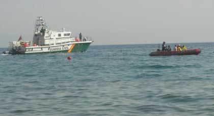 اعتراض قارب على متنه 10 مهاجرين سريين قرب سواحل إسبانيا