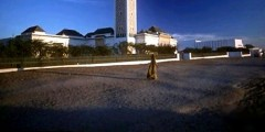 رحالة مغربي يصل نواكشوط بدراجته الهوائية