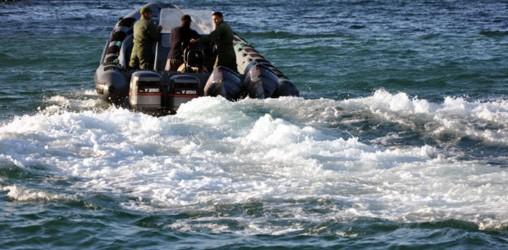 فرار قارب بعرض سواحل المضيق أثناء مطاردته من طرف البحرية الملكية
