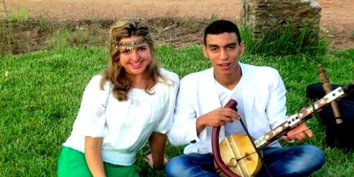 """لأول مرة بالصور: الفائزة في برنامج """"أرب غوت تالنت"""" مع خطيبها المغربي"""