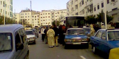ما ذنب المواطن في صراع سيارات الأجرة وشركة النقل بتطوان ؟؟