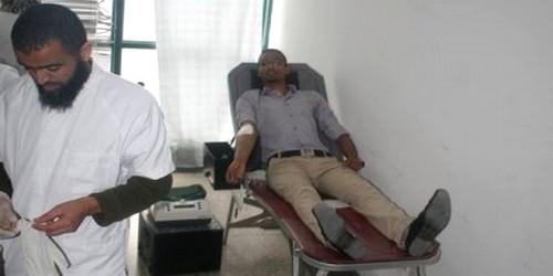 تطوان : طلبة ماستر القانون ووسائل الإعلام و شعيبة الجمارك في حملة للتبرع بالدم