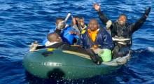 توقيف 16 مهاجرا سريا مغربيا قبالة سواحل سبتة المحتلة