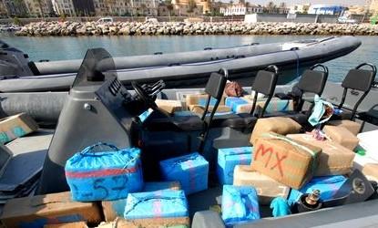 إحباط محاولة تهريب أزيد من طنين من مخدر الشيرا بميناء طنجة