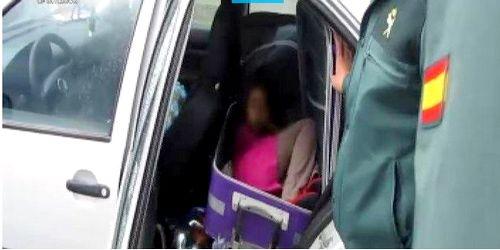 اعتقال مغربي حاول تهريب رضيع ووالديه إلى إسبانيا