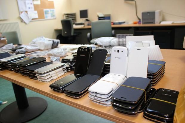 إحباط محاولة تهريب أكثر من 2000 جهاز من الهواتف الذكية بباب سبتة