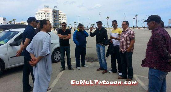 رئيس بلدية مرتيل رفقة أعضاء الأغلبية يعتصمون أمام القطعة الأرضية للملعب البلدي (سابقا)
