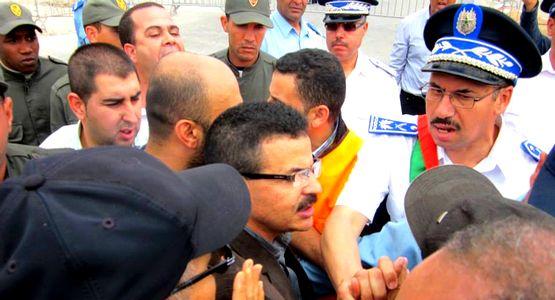 بوليس الحدود بباب سبتة يحاصرون مناضلي العصبة المغربية للدفاع عن حقوق الانسان