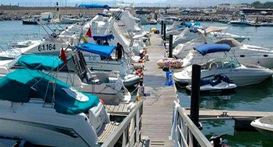 أكثر من 80 قاربا ترفيهيا بموانئ تطوان مهدد بمغادرة المياه المغربية