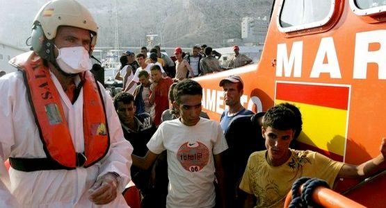 اعتراض ثلاثة قوارب على متنها 21 مهاجرا سريا بمضيق جبل طارق