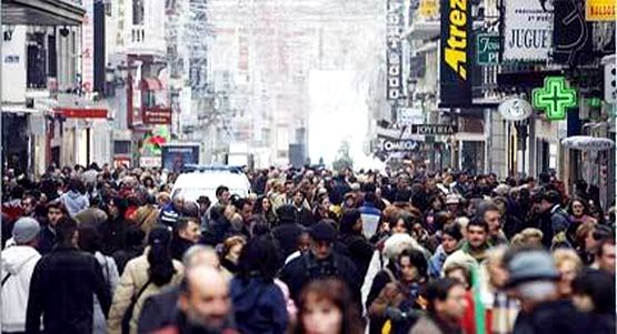إسبانيا تحقّق رقما قياسيا باستقبال 83 مليون سائح