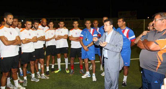 فريق المغرب التطواني يعود لتداريبه ويجري أول حصة له ليلة يومه الثلاثاء (صور)