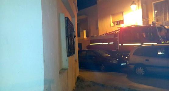 مدمنون يضرمون النار داخل منزل مهجور يتخذونه وكرا لتعاطي الهيروين بمرتيل