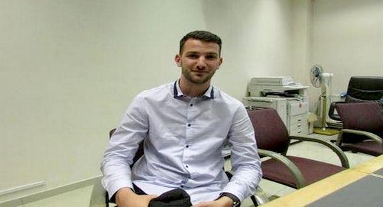 """قصة شاب بلجيكي إعتنق الإسلام بسبب """"جيرة المغاربة"""" في بروكسيل"""
