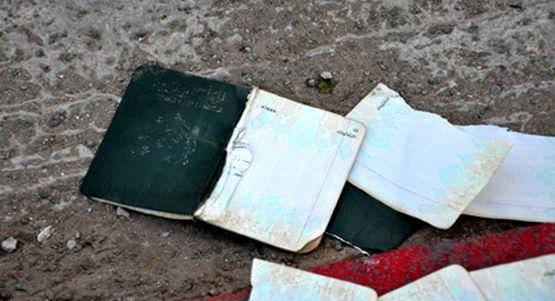 خطير: الأمن الإسباني بمليلية يمزق جواز سفر لمواطن مغربي