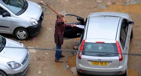 تشرميل من نوع أخر يمارسه حراس السيارات في حق المواطنين بمرتيل
