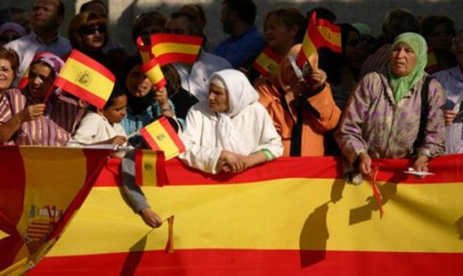 تجنيس أزيد من 127 ألف مهاجر مغربي خلال خمس سنوات في اسبانيا