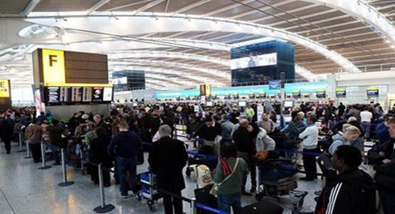 استياء عارم للجالية المغربية المقيمة بإسبانيا حول غلاء ثمن التذاكر وتأخر الرحلات الجوية