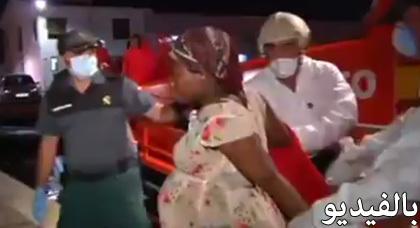 شاهدوا الفيديو.. عملية إنقاذ إسبانية لمهاجرين سريين أفارقة بسواحل الأندلس