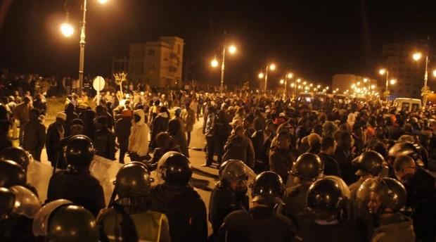 الاعلام السينغالي يفتح نيرانه على شرطة طنجة بعد أحداث بوخالف