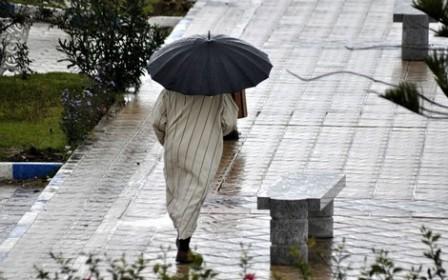نشرة جوية خاصة تحذر من نزول أمطار قوية بتطوان