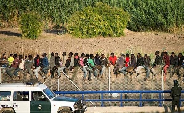 أزيد من 15 ألف مهاجر افريقي حاولوا التسلل إلى مليلية خلال 8 أشهر