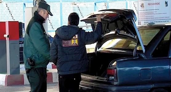 الحرس الإسباني يعتقل مغربيا ومرافقه بسبتة