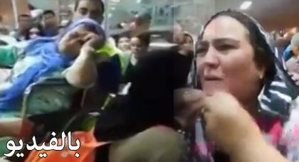 شوهة : شاهدوا بالفيديو بكاء وحالات إغماء وإزدحام في صفوف أفراد الجالية بميناء طنجة