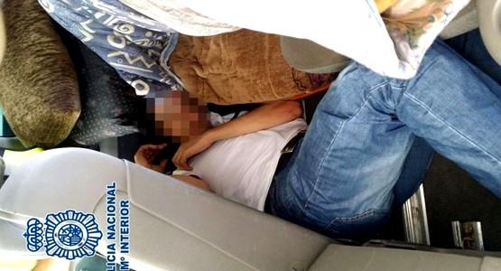 توقيف اسبانية حاولت تهريب مهاجرين في سيارتها بباب سبتة