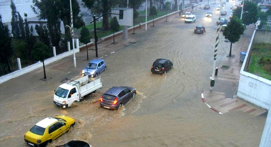 نشرة إنذارية تتوقع تساقط أمطار عاصفية بتطوان والمدن الشمالية (شاهد الفيديو)