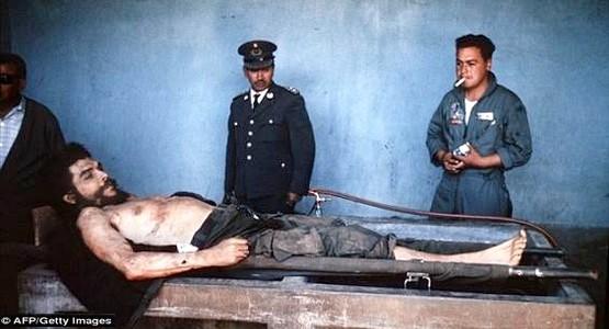 بعد نصف قرن على اختفائها.. صور لتشي غيفارا بعد إعدامه تظهر باسبانيا (صور)