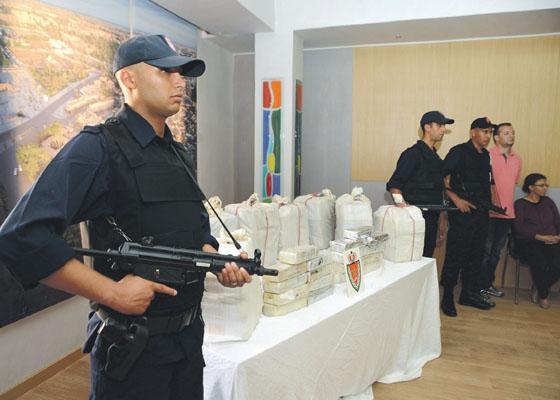 إيقاف شرطي بتطوان يشتبه في تورطه في شبكة كوكايين مراكش