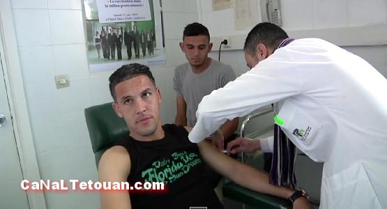 تلقيح لاعبي المغرب التطواني قبل السفر إلى مالي (فيديو)